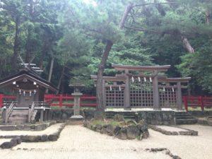 桧原神社の三つ鳥居画像